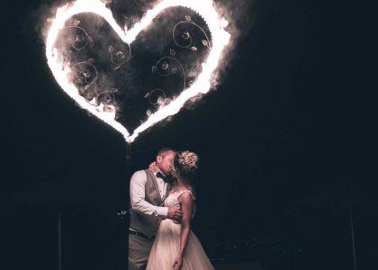 огнени надписи и горящо сърце снимка 002