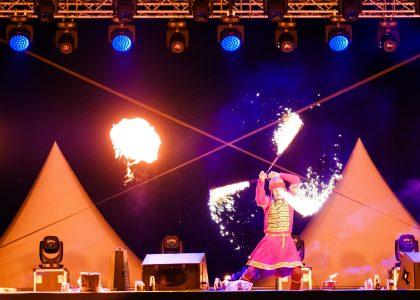 огнено и светлинно шоу за фестивали снимка 4