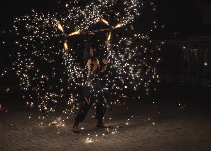 огнено и светлинно шоу за честване и празник снимка 4