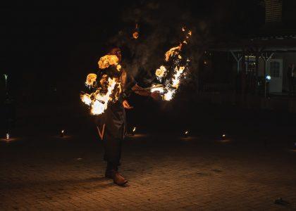 огнено и светлинно шоу за рожден ден