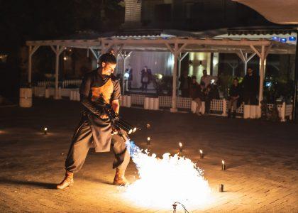 огнено и светлинно шоу за честване и празник снимка 3