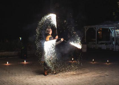 огнено и светлинно шоу за рожден ден снимка 2