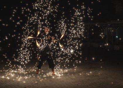 огнено и светлинно шоу за фестивали снимка 1